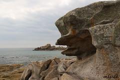 Regard vers l'ocan ! (Milucide !) Tags: france bretagne plage rochers finistre ocan lesconil cteatlantique naturesauvage canoneos650d