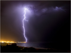 Massive Fremantle CG lightning (beninfreo) Tags: storm canon cg harbour indianocean australia bolt lightning fremantle westernaustralia cloudtoground therebeastormabrewin 5d3