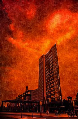 Robert Emmerich - 81 Renzo-Piano-skyscraper and the Potsdamer Platz - burning sky in Berlin - Germany