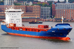 Sophia (andreasspoerri) Tags: hamburg sophia containerschiff antiguabarbuda fujianmaweifuzhou imo9433456