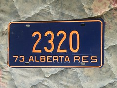ALBERTA 1973 RESIDENT LICENSE PLATE #2320 (woody1778a) Tags: woody licenseplate mytraders fortrade forsale tradelist numberplate woody1778 alpca collector