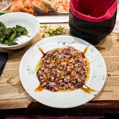 Squid and Beans (mindweld) Tags: barcelona de la spain market mercado boqueria laboqueria mercatdelaboqueria mercadodelaboqueria mercatdesantjosepdelaboqueria