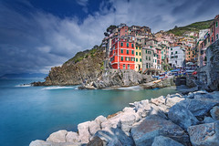 Riomaggiore, Cinque Terre (Italy) #2 (Eric Rousset) Tags: voyage longexposure travel sea italy seascape port canon landscape photography coast harbor nationalpark spring italian europe italia village liguria roadtrip unesco cinqueterre paysage canonef1740mmf4lusm italie riomaggiore tourisme nisi waterscape laspezia 2016 ligurie canoneos5dmarkii ericrousset nisifilters nisifstopperfiltrend1000 filtrenisifstopperirgnd809 nisicircularpolarizer