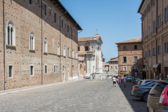 Urbino (grasso.gino) Tags: street italien houses italy nikon italia urbino marche marken huser strase d5200