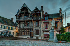 Maison Racollet  Moret-sur-Loing - HDR (gilles_t75) Tags: d5300 france gillest hdr nikkor1855mmf3556 nikon bracketing exposurefusion highdynamicrange photohdr photomatix tonemapping moretsurloing seineetmarne77 ledefrance maisonracollet