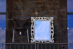 chair 'n mirra - (fdfotografie) Tags: mirror chair wand spiegel himmel dmmerung blau dslr stuhl rahmen mauer gitter gelnder bearbeitung nachmittag expressiv mauerwerk farbfoto querformat spiegelrahmen