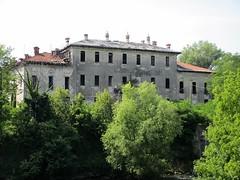 CASTELLO DI LANDRIANO (Bruno Vigan) Tags: landriano pavia castello italia fantasma ghost canonixus157 castellodilandriano residence historichouse