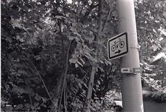 0012 (coloredsteel) Tags: street leica white black self 35mm graffiti stand kodak iso400 f14 trix rodinal developed m6 nokton trainspotting ulm voigtlnder developing trainwriting