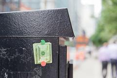 0128 Kinzie (TWITA2005) Tags: chicago illinois unitedstates sticker money kinzie