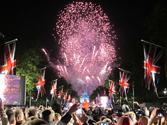 Jubilee (Jason@London) Tags: london jubilee buckinghampalace unionjack unionflag themall london2012 diamondjubilee