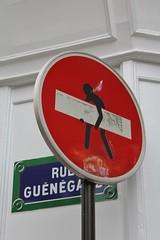 Clet Abraham_1675 rue Gungaud Paris 06 (meuh1246) Tags: streetart paris panneau paris06 clet ruegungaud cletabraham