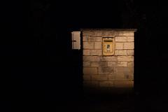 Postes (mll) Tags: jaune postes soir crpuscule gordes lightroom abbaye aat botelettres snanque