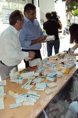 Μεγάλη η ανταπόκριση του κόσμου στη συγκέντρωση φαρμάκων στον Ιερό Ναό Παμμεγίστων Ταξιαρχών στο Μοσχάτο