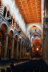 IMG_9804Ax (kanizfotolio) Tags: blackandwhite italy church canon lens eos italian europe dynamic cathedral interior religion eu it pisa kits cathedralsquare 500d piazzadelduomo