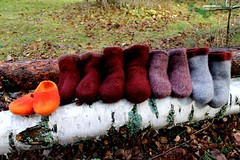 2013.10.27. huovutettuja tossuja 5p 001m (villanne123) Tags: socks felted knitting forsale slippers finnwool sukat 2013 huovutettu neulottu tossut