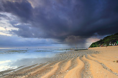 FALLING,,,, (ManButur PHOTOGRAPHY) Tags: morning travel bali cloud clouds canon eos sand scenery exposure explore 7d sandpainting efs hitech hdr sanur eastasia canonefs1022mmf3545usm canon7d easasia manbutur manbuturphotography