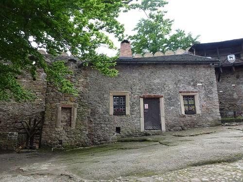 Zabudowania (kuchnia) dziedzińca zamku dolnego w Zamku Chojnik w Sobieszowie