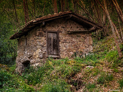 otro molin en Quiros (ton21lakers) Tags: naturaleza canon asturias molino montaa tamron too escandon quiros