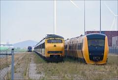 NS ICRm, MAT'64 & DM'90 (OVNL) Tags: ns plan 64 mat v 90 dm 1964 intercity sloop spoorwegen buffel nsr sprinter nederlandse stoptrein icr terzijde rijtuig icrm reizigers materieel