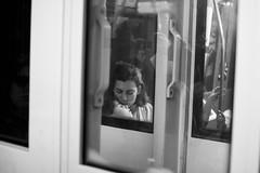 Entre vagones (CarlosPina94) Tags: madrid blackandwhite bw espaa white black blanco canon de calle spain kiss foto y metro negro mother streetphotography sigma son bn streetphoto fotografia beso madre hijo streetshot hija 30mm callejera