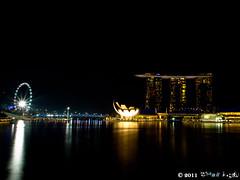 night_6 (Squall EC) Tags: river hotel bay flyer singapore esplanade mbs marinabay raffleshotel singaporeflyer marinabaysands