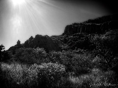 DESTELLO SOLAR (Gabriel Contreras Tzintzun) Tags: paisaje guanajuato cultura historia recuerdos atardecer tranquilidad descanso familia decadas rancho destello sol cerros piedras