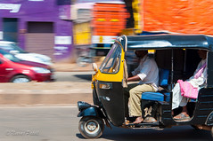 Rickshaw (Paning)-2.jpg (NP Photo2010) Tags: india colors iso200 nikon asia february karnataka panning southindia 2015 hubli d90 manualexposure westernindia 1801050mmf3556