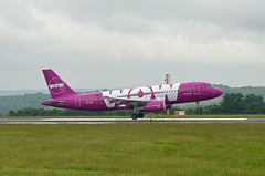 WOW A320 TF-SIS, Bristol (Bristol Airport Spotter) Tags: plane wow bristol airplane iceland airport nikon view aircraft air jet 09 lane airbus area passenger sis runway winters a320 icelandic tf brs planespotting d7000