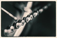 Bicycle Chain (~trigger_happy~) Tags: bicycle key bokeh low chain
