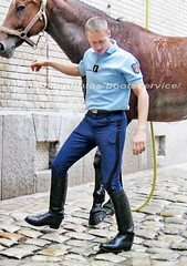 bootsservice 06 1223 (bootsservice) Tags: horse paris army cheval spurs uniform boots military cavalier uniforms rider cavalry militaire weston bottes riders arme uniforme gendarme cavaliers equitation gendarmerie cavalerie uniformes eperons garde rpublicaine ridingboots
