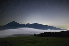1154 (Keiichi T) Tags:   seaofclouds tree   eos 6d blue green mountain  fog night shadow  canon haze       star  japan  light sky