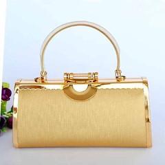 กระเป๋าคลัชออกงาน กระเป๋าถือผู้หญิงแฟชั่นเกาหลีหรูหราเข้าชุดราตรีและงานแต่ง นำเข้า สีทอง - พร้อมส่งAP2553 ราคา1500บาท สวยครบเซทสีทองอร่ามแบบกระเป๋าแบรนด์ดังต้องกระเป๋าออกงานราตรีสไตล์คลัทช์และกระเป๋าไปงานแต่งงานสไตล์กระเป๋าถือระดับคุณนายให้สวยเข้าชุดราตรี