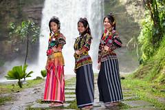 T'Boli Girls (Graham Savage Photography) Tags: lake girl philippines filipina mindanao sebu tboli