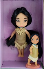 Disney Animators' Collection Deluxe Figure Playset Versus 15-Piece Mini Doll Set (Opened) - Deboxed - Pocahontas - Full Front View (drj1828) Tags: us disneystore 2016 disneyanimatorscollection minifigure playset disney princess purchase deboxed minidoll disneyland pocahontas