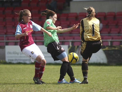 Lewes Ladies v West Ham 5 5 2013 6455