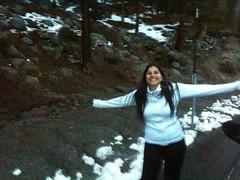 Todas las carreteras cerradas por nieve, y nos desviamos al SouthLakeTahoe, un lago en el medio de las montañas al norte del YosemitePark (estamos a  más de 2000mts de altura) con nieve en algunas partes, por suerte las calles están limpitas!! Y acá los d
