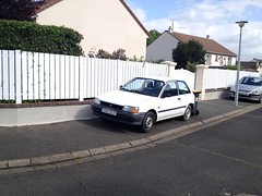 Toyota Starlet XL de 1991 1642 TD 37 - 23 mai 2013 (Allee de la Gitonniere - Joue-les-Tours) (Padicha) Tags: auto new old bridge france water grass car station electric truck river french coach ancient automobile eau indre may police voiture ruine cher rest former 37 nouveau et loire quai franais nouvelle vieux herbe vieille ancienne ancien fleuve nationale vehicule lectrique reste gendarmerie gazon indreetloire franaise pave nouveaut vhicule utilitaire restes vgtalise letramdetours padicha