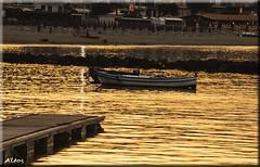 """Al tramonto il mare è oro (Carassius-al) Tags: photoshop tramonto mare barche spiaggia sicilia messina naxos postprocessing """"exoticimage"""" mygearandme vigilantphotographersunite"""