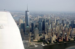 Freedom Tower (LuisJouJR) Tags: newyork manhattan aerialview aviones freedomtower flighttraining hudsonriverflight