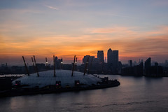 Air Line Sunset (Your Funny Uncle) Tags: sunset england london atardecer unitedkingdom greenwich o2 olympus docklands canarywharf millenniumdome em1 emiratesairline theshard olympusomdem1