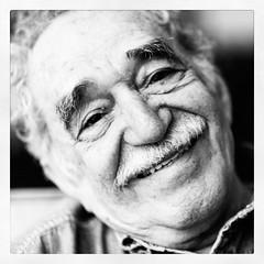 """Ni a Colombia, ni a Cuba ni a México debes de ir si quieres hablar con #Gabo, ayer se fué a vivir indefinidamente a #Macondo. """"Gabriel García Márquez, un realista mágico que creaba con tinta su mundo"""". RIP."""