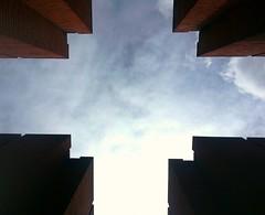 Temple of the winds - Vindarnas tempel (blondinrikard) Tags: sky art up clouds göteborg konst lookingup tegel perkirkeby älvstranden vindarnastempel