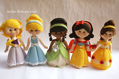 Princesas (Ana Ribeiro2010) Tags: felt tiana feltro bela rapunzel cinderela princesas brancadeneve