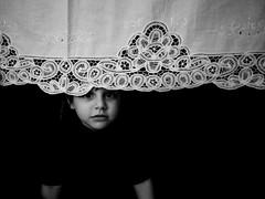 La redcouverte (ArTeTeTrA) Tags: portrait bw girl child