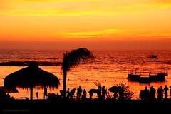 PLAYA LA LISERA | ARICA (Pablo C.M || BANCOIMAGENES.CL) Tags: chile summer playa verano arica playalalisera