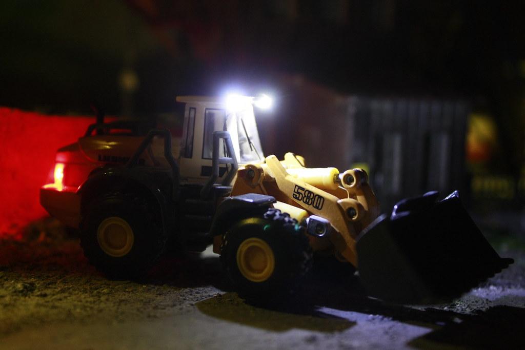 Liebherr L 580 (Modell) (Feuerross) Tags: Lampe Licht Im Led L