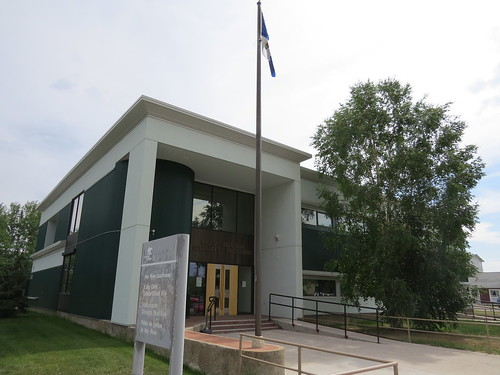 Main entrance to Hay River Court House