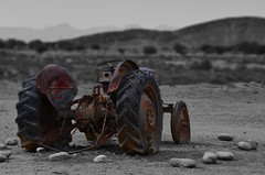 Lost place (sabinesie) Tags: africa old bw tractor nature landscape southafrica traktor outdoor alt natur natura afrika sw rost landschaft sdafrika vecchio maschine trattore sudafrica colorkey colorkeying lostplace landschaftsfotografie selectivcolor landscapephotographie