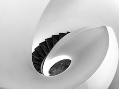 Staircase (stefan.lafontaine) Tags: bw white black blanco noir y negro olympus staircase et weiss blanc schwarz em1 treppenhaus