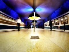 stand & move (zuiko12) Tags: train munich prime streetphotography olympus 8mm zuiko omd em1 club16 mzuiko